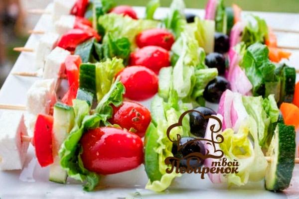 Как подать новогодний греческий салат