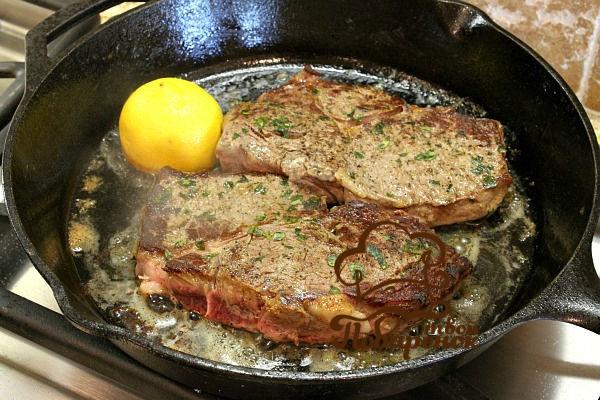 Потушить мясо в сковороде рецепт с фото