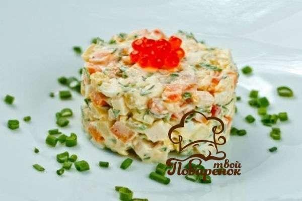 Салат «Оливье» с грибами и кукурузой