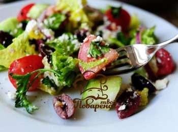 salat-grecheskij-s-pekinskoj-kapustoj