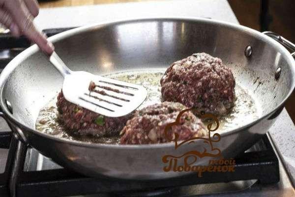 котлеты из мясного фарша с кабачком и манкой рецепт