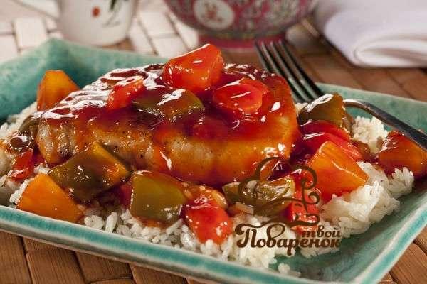 Рецепт вкусного жареного стейка из свинины с луком