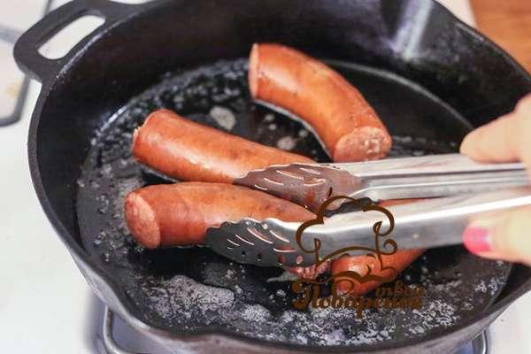 Как пожарить колбаски для жарки на сковороде с пошагово