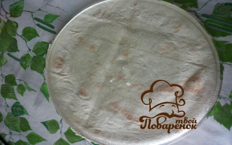 Пицца из тонкого лаваша с грибами в микроволновке