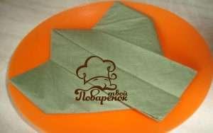Бумажный самолётик из салфетки