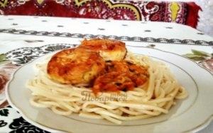 Куриные котлеты на сковороде в соусе классический рецепт