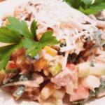 Простой диетический салат с куриной грудкой без майонеза