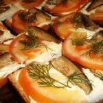 Холодные бутерброды со шпротами рецепт с фото