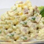 salat-s-kuricej-i-kukuruzoj-i-ogurcom